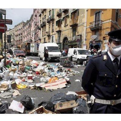 イタリアゴミ問題